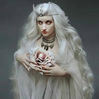 Moon flower by Pinkabsinthe