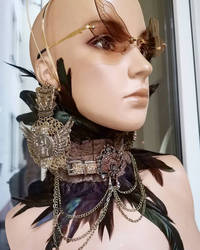Long Egyptian earrings + necklace and sunglasses