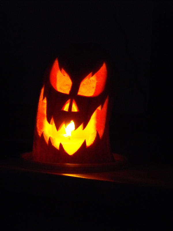 Pumpkin carving 02