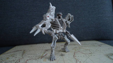 Quite poseable for been fossilized bot