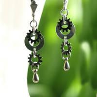 Simply Steampunk Earrings by clockwork-zero