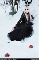 Snow White 5 by MiraNox