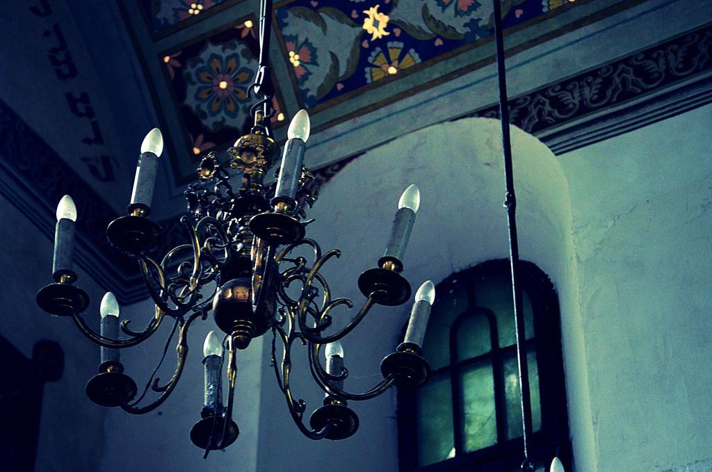 Sinagoga Remu, Krakow by sakurain93