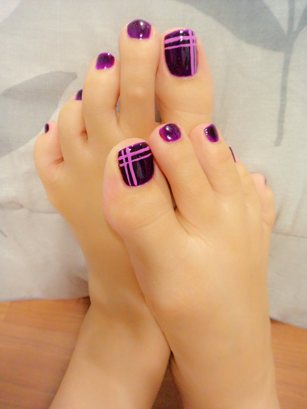purple toe by creamypumpkin
