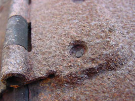 Rusty Hinge by softdrink