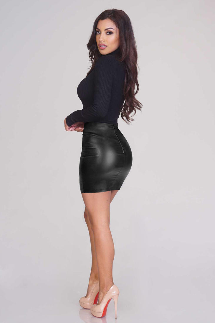 Best ass 2015 amazing round booty latina flashing pussy 5