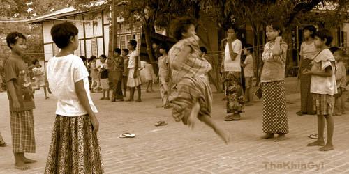 playing girl by ThaKhinGyi