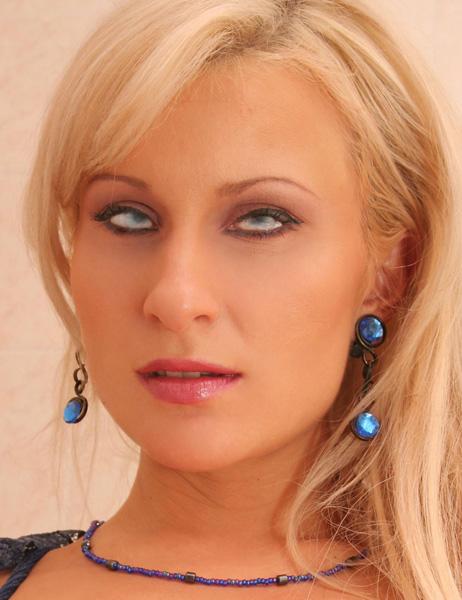 Cassandra Busty Tits Film 101