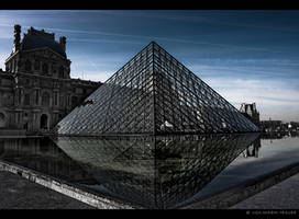 Palais du Louvre by Lisa-M-T