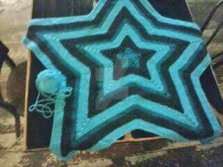 Update on Five Point Star Afghan by Ladybug1985