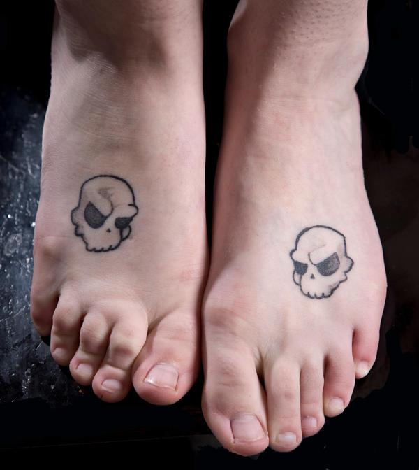 Popcorn Skulls by violet67