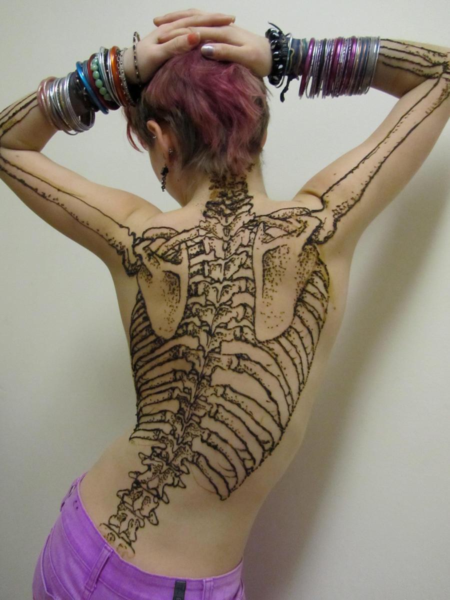 Henna Back Tattoo Drawing: Henna Tattoo Or Body Art...?- Khoobsurati