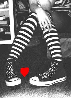 Şeker Gibi Avatarlar =) Shoes_need_lovin___too_by_CoNvErSeCuLt