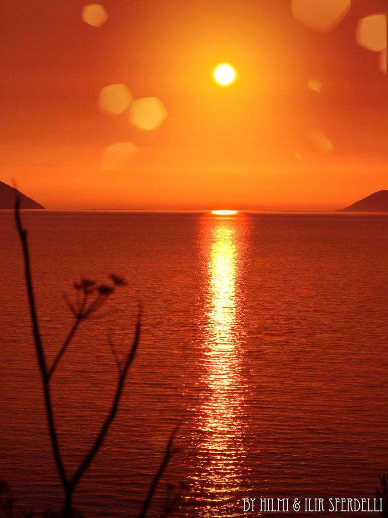 lovely_sunset_by_kadet13-d3ddfs0.jpg