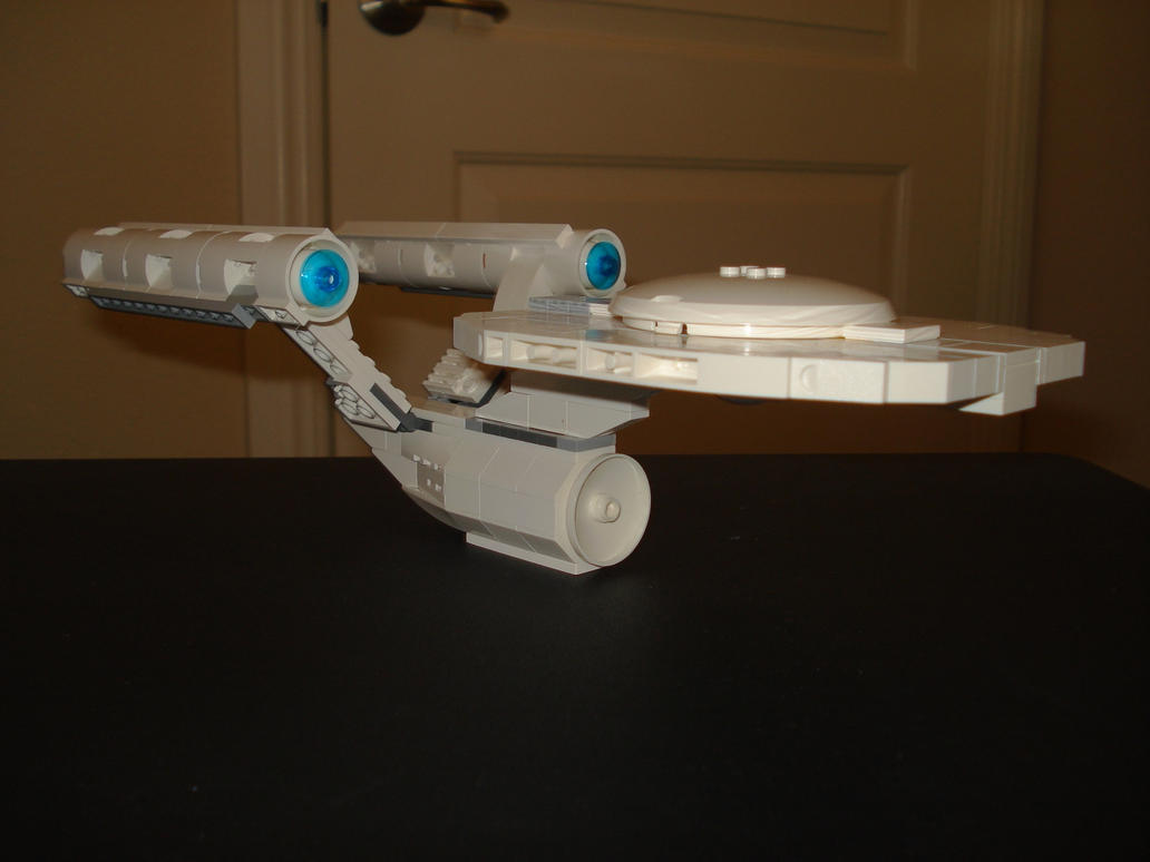 2009 Enterprise in lego by mikusingularity