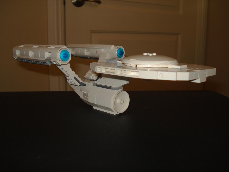 2009 Enterprise in lego by mikusingularity