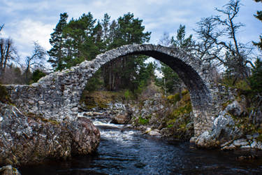 Carrbridge - The Old Packhorse Bridge by Rad-Puppeteer