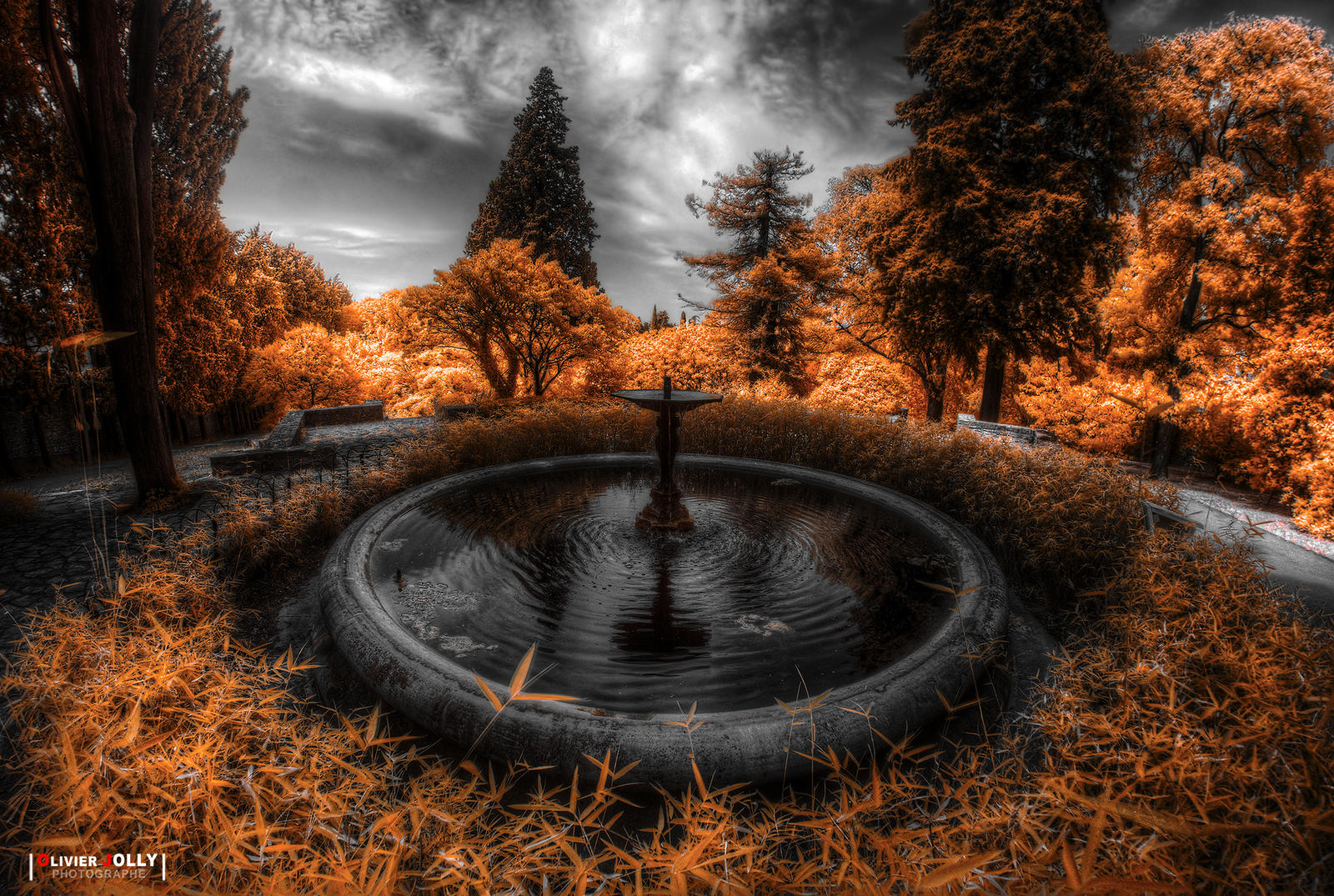 Fountain by bamboomix