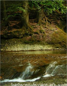 barns-en_wood_river