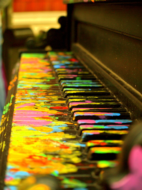 colorful piano by flyabovethesky