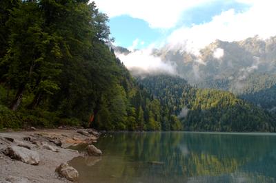 lake by JuliaRemesova