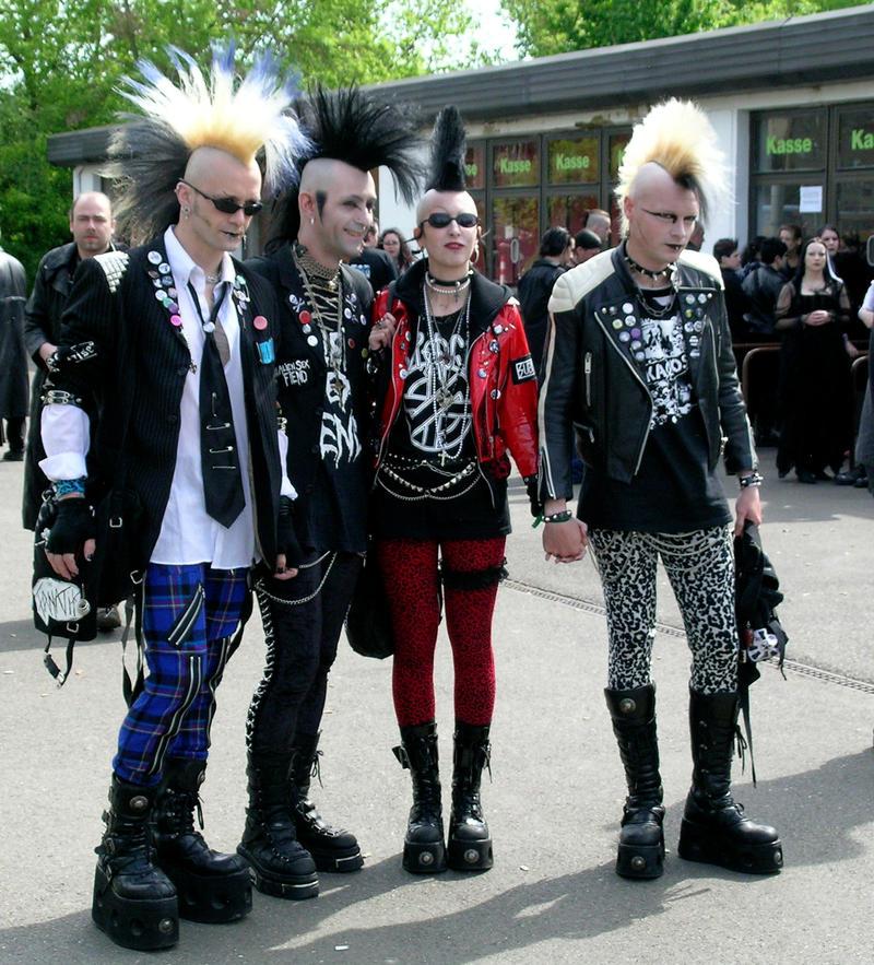 Salam aleykum, Bonjour, Shalom... - Page 2 German_Punks_by_Wilhelmvs