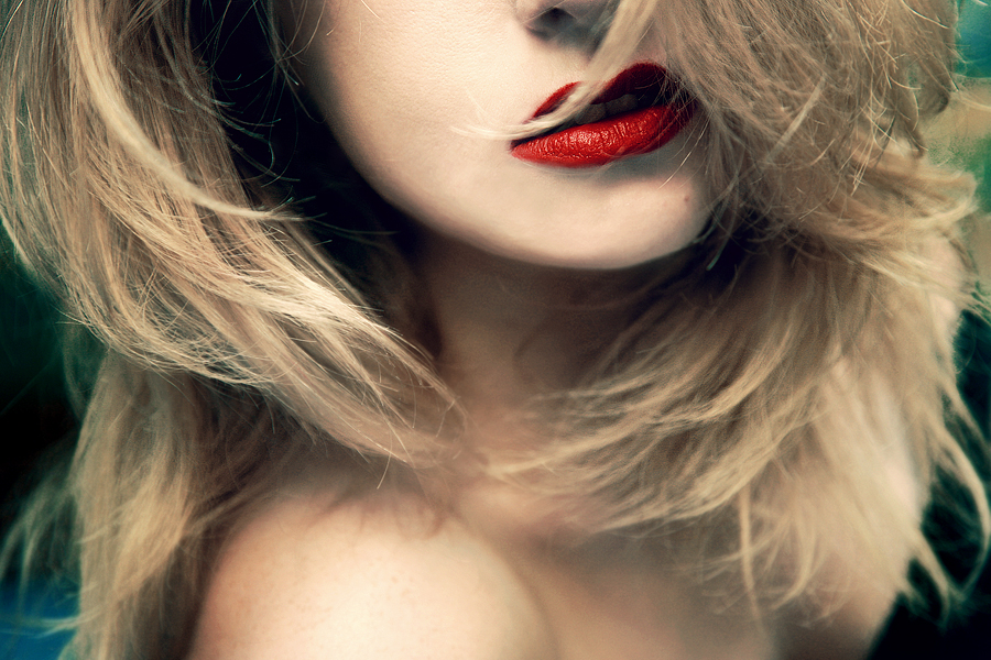 red lips by LeessaRay