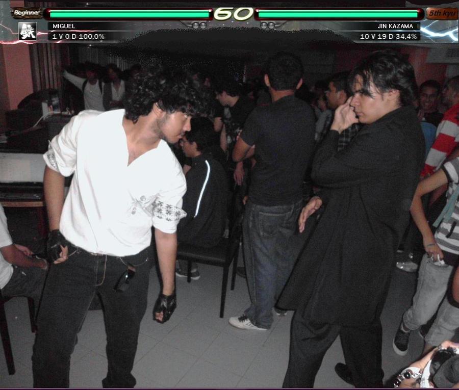 Con mi cosplay prototipo de Miguel Caballero Rojo junto con Luis de    Tekken Miguel Cosplay