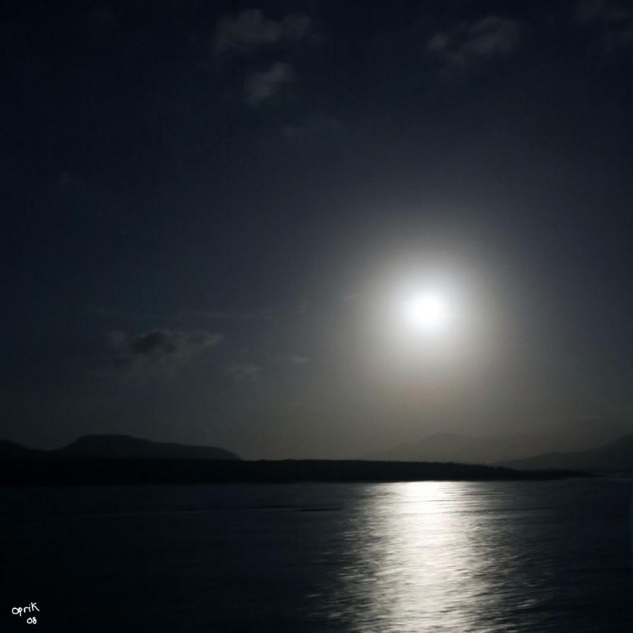 moonlight by oprik