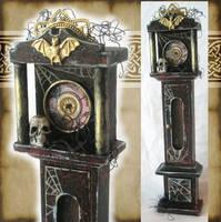 Miniature Spooky Clock by grimdeva