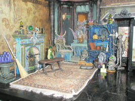 Grimhaunt Manor Miniature Dollhouse bedroom