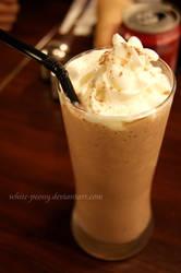 Chocolate Banana Milkshake by white-peony