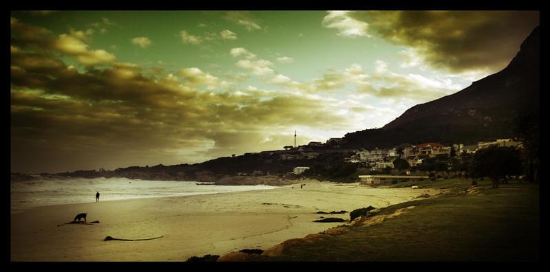 Dawn at the beach by sn4rk