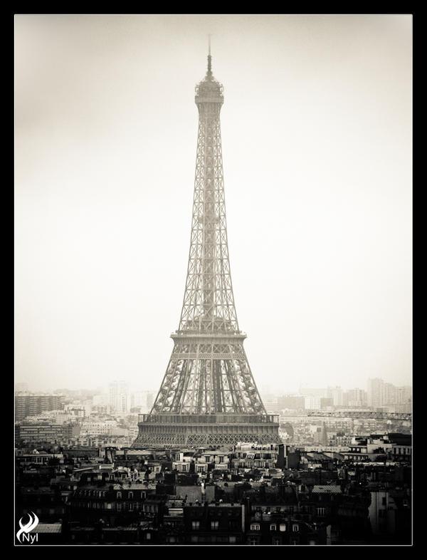 Vintage Eiffel by nyl