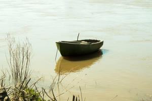 A little boat on the Loire by Bijou44