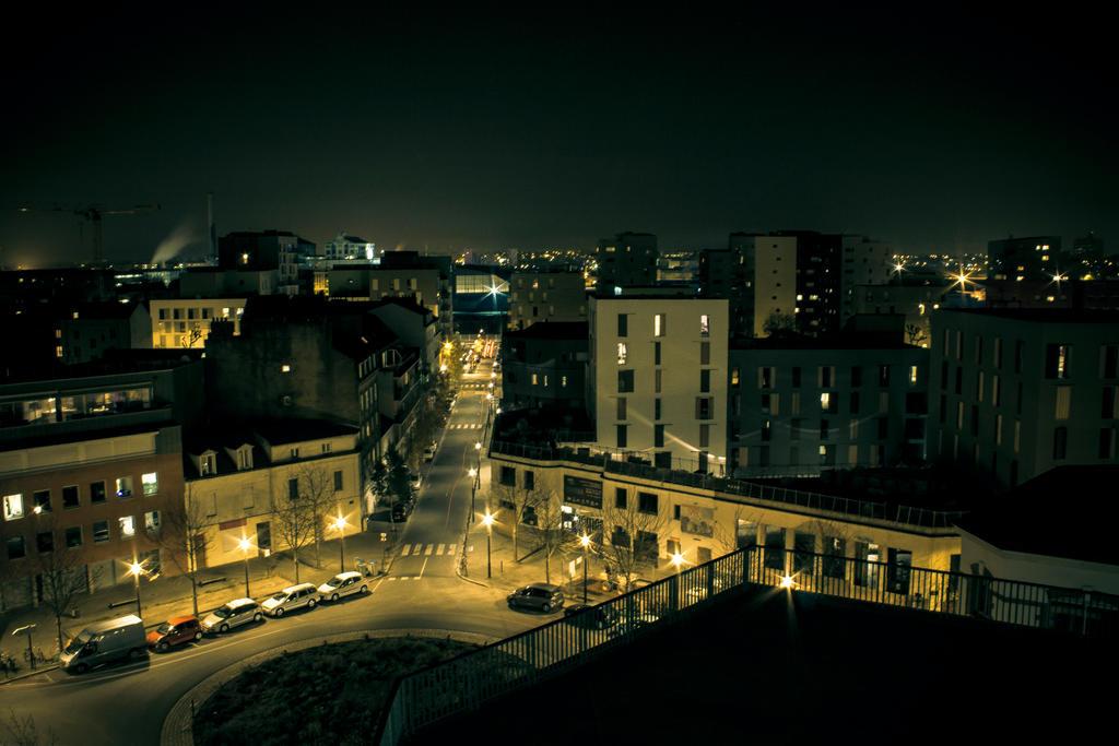 Nantes skyline in the night ! by Bijou44
