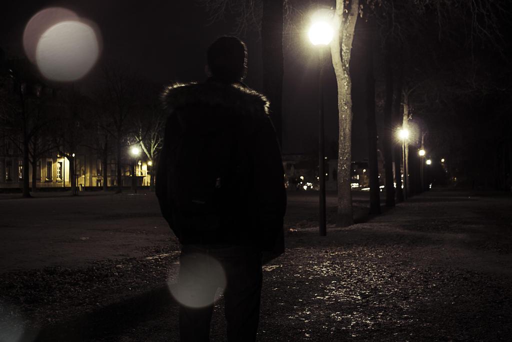 Alone in the dark !