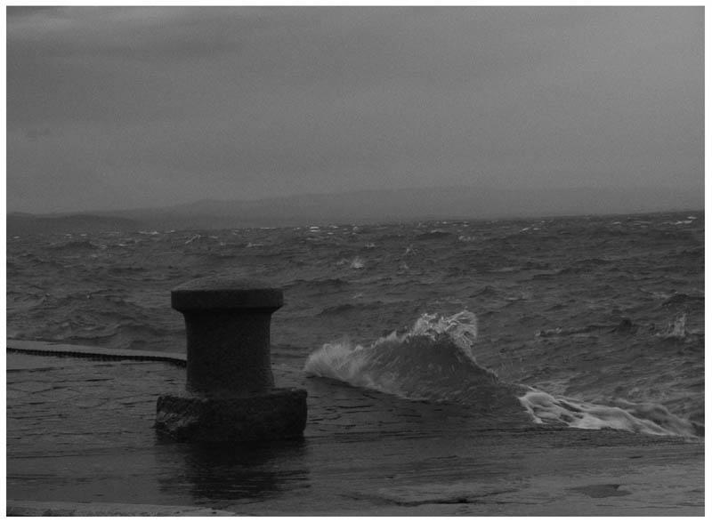 Alone beside the sea by BleedingCountess