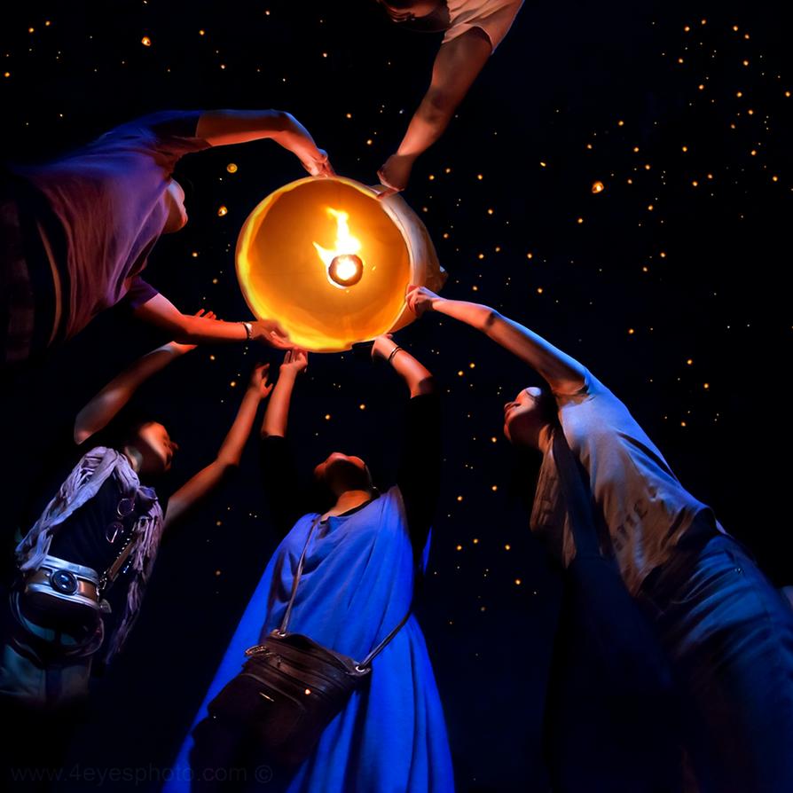 Wish Lantern - Loy Kratong Thailand by foureyes