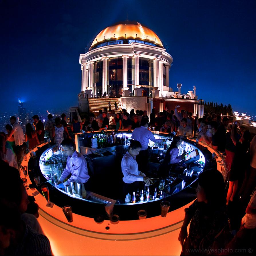 Sky bar - Bangkok by foureyes