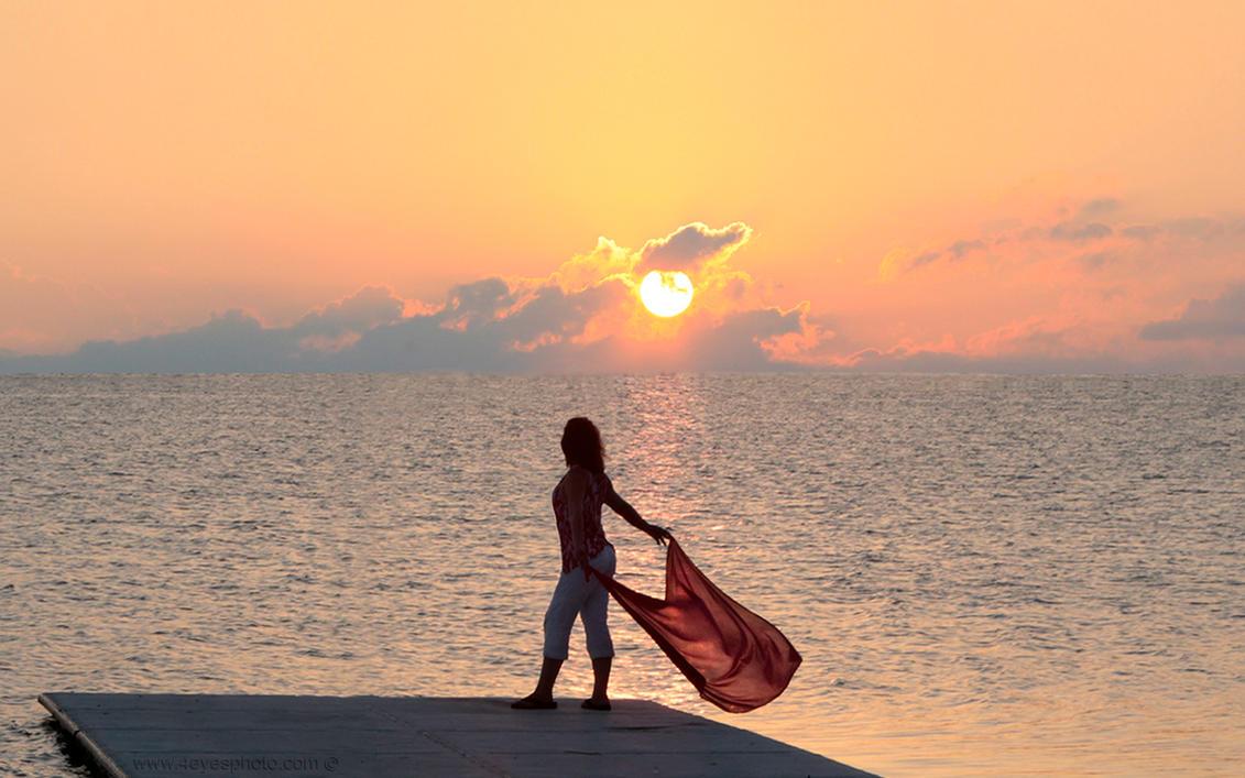 she's my sunrise... by foureyes