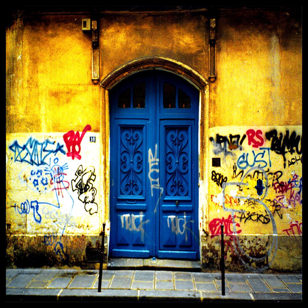 Paris Graffiti by foureyes