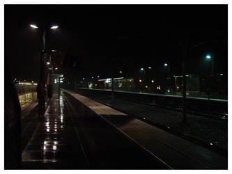 Trainstation 2am by mimir