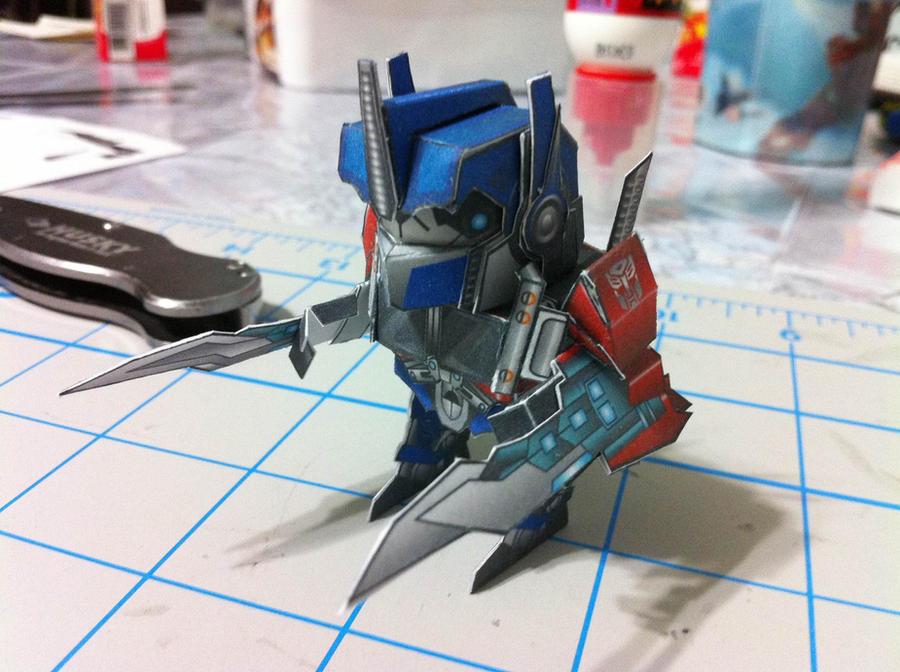 Chibi Optimus Prime papercraft by wulongti