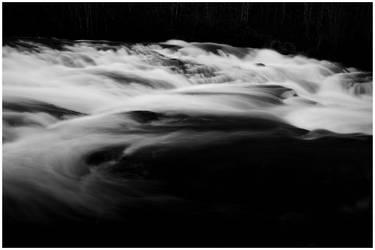 Flowing by frk-kalbakk