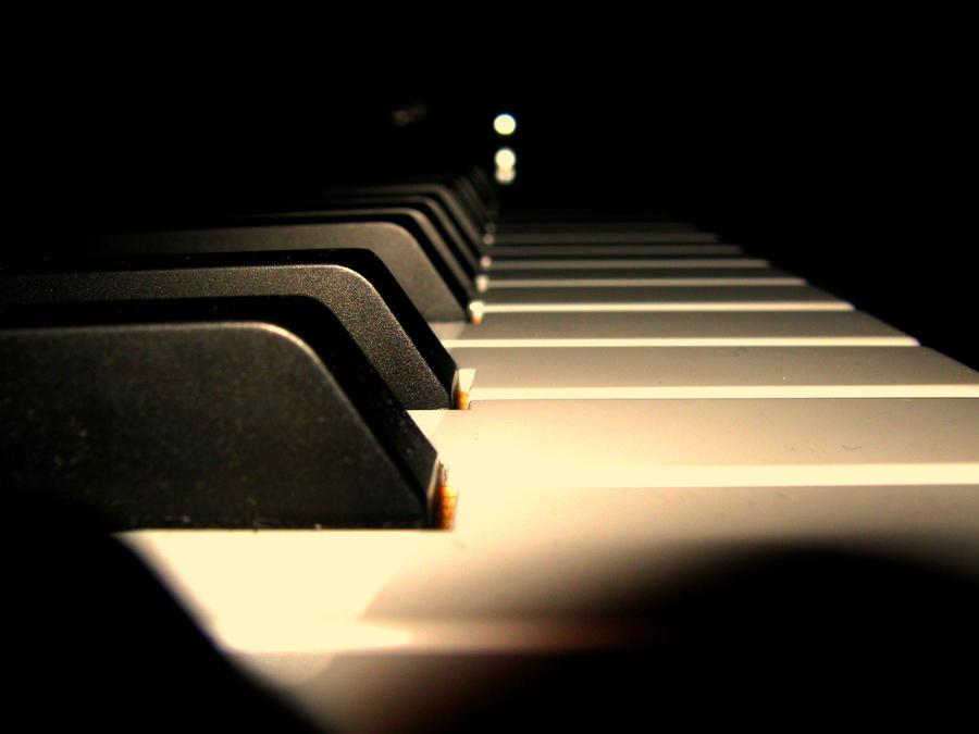 Piano Keys by viiemzee