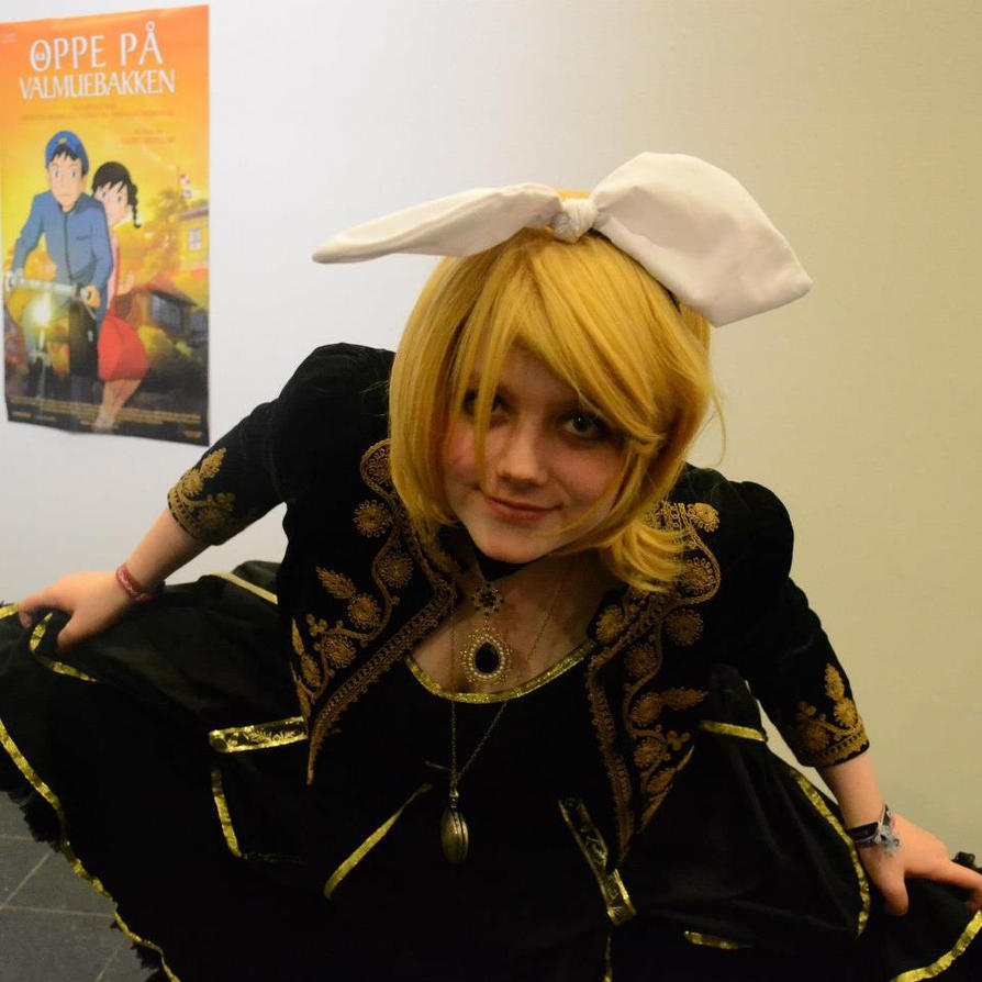 Rin Kagamine Daughter Of Evil Cosplay by TheFreakFamilyDKKagamine Rin Daughter Of Evil Cosplay