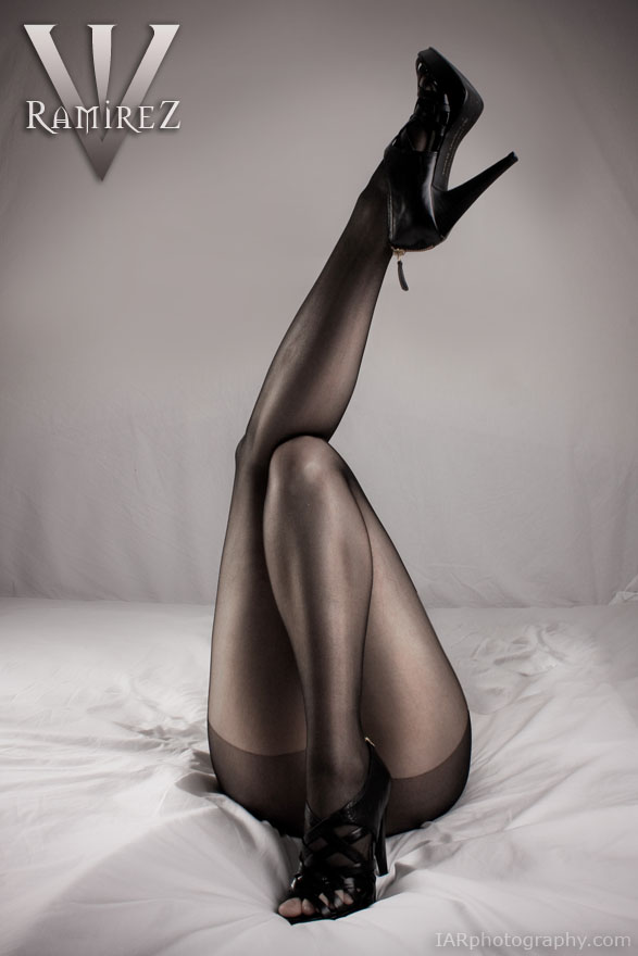 http://fc09.deviantart.net/fs71/f/2011/027/c/3/all_legs_by_sweetaddiction86-d386oo7.jpg