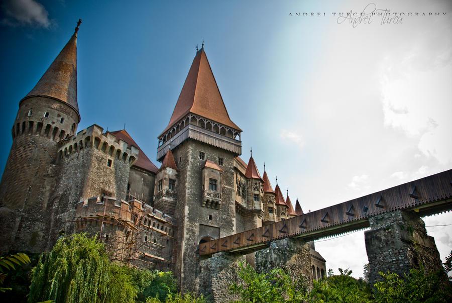 Hunyad Castle by andreiturcu
