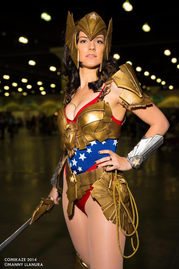 [Musas do Cosplay] Comikaze_2014_wonderwoman_vertvixen_cosplay_by_wbmstr-d889zul